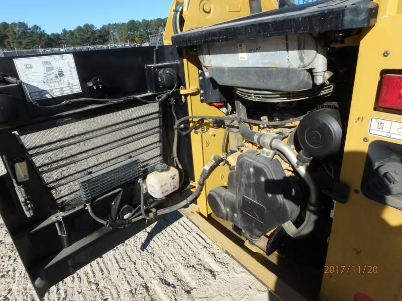 CATERPILLAR MULTI TERRAIN LOADERS 239D equipment  photo 22