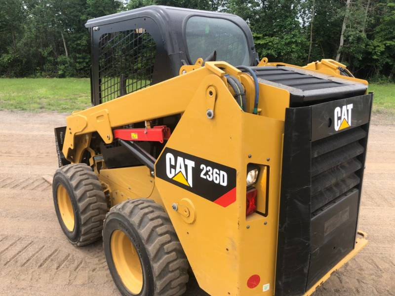 CATERPILLAR PALE COMPATTE SKID STEER 236 D equipment  photo 10