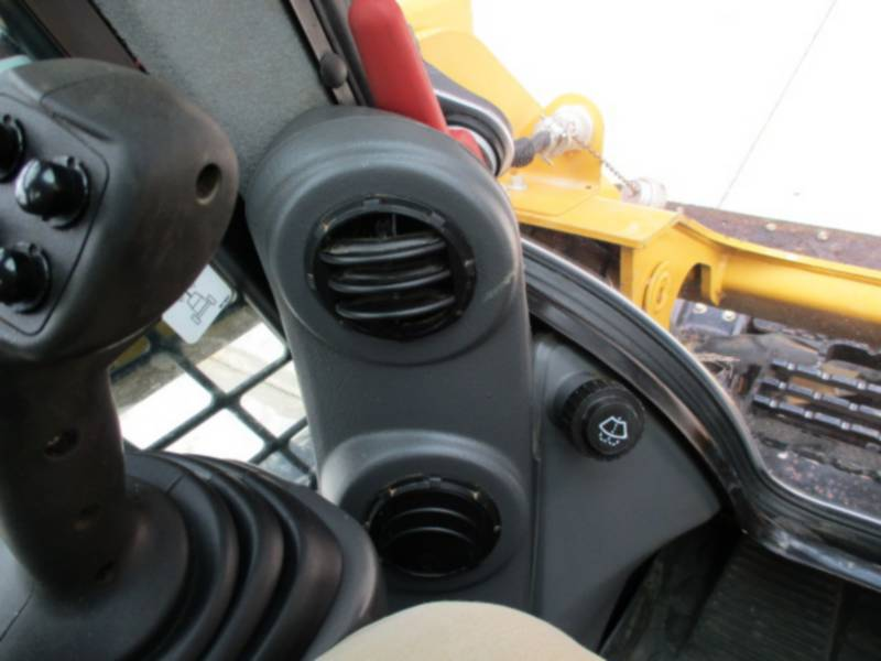 CATERPILLAR MULTITERREINLADERS 259D equipment  photo 15