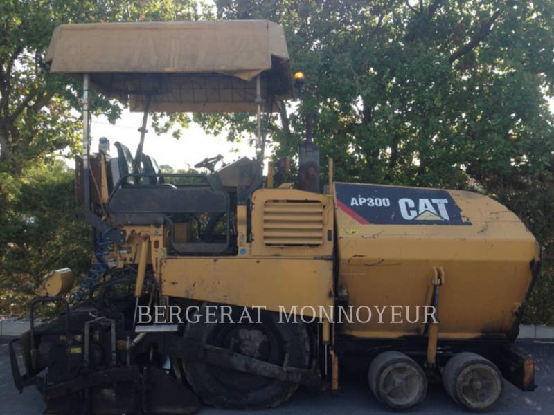 CATERPILLAR FINISSEURS AP-300 equipment  photo 1