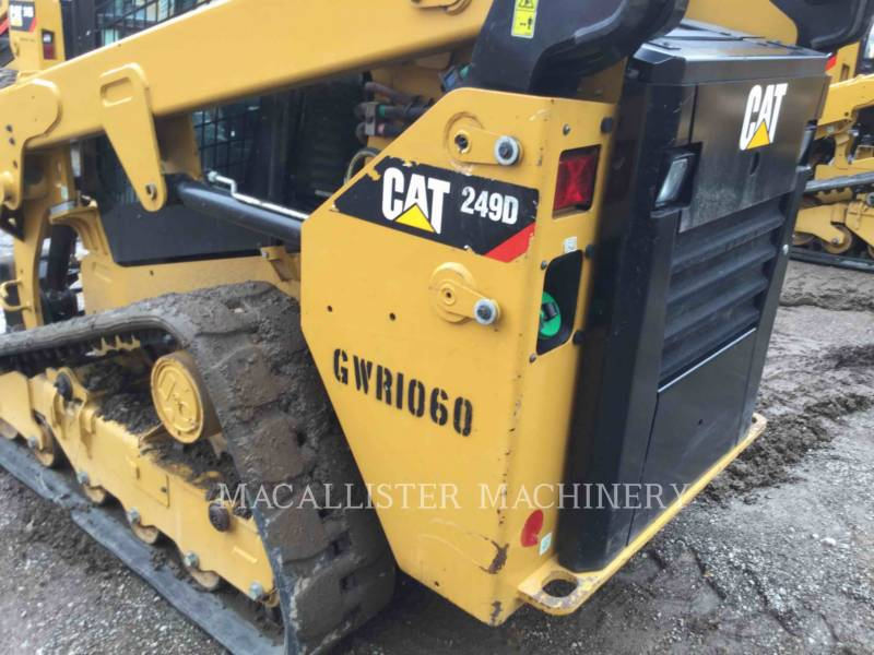 CATERPILLAR CHARGEURS TOUT TERRAIN 249D equipment  photo 12