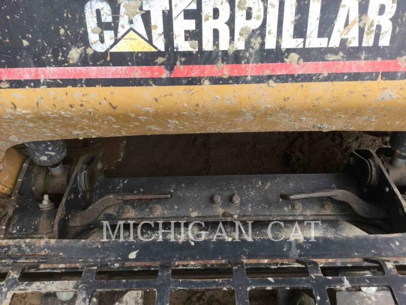 CATERPILLAR 多様地形対応ローダ 247 equipment  photo 7