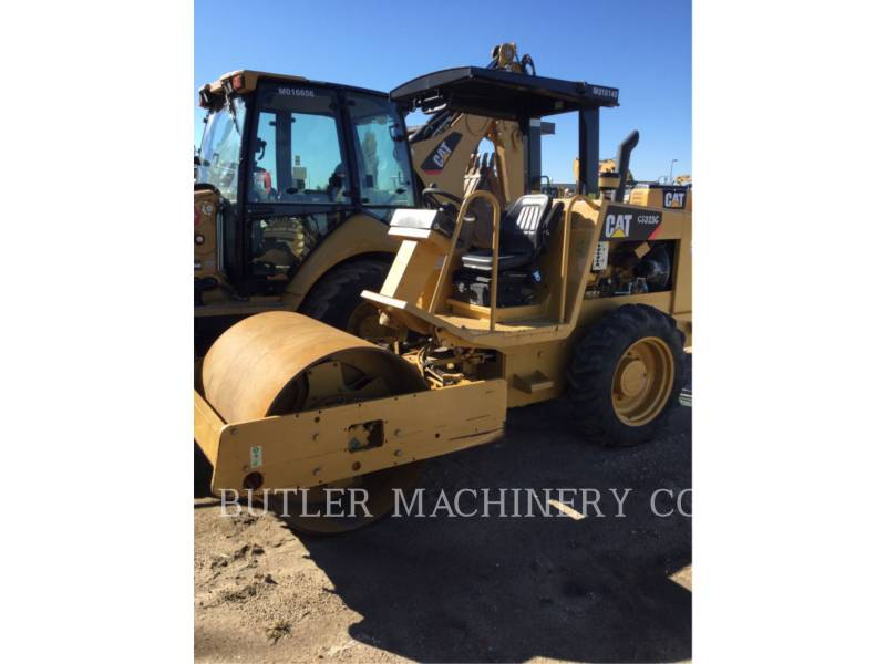 CATERPILLAR COMPACTORS CS-323C equipment  photo 1
