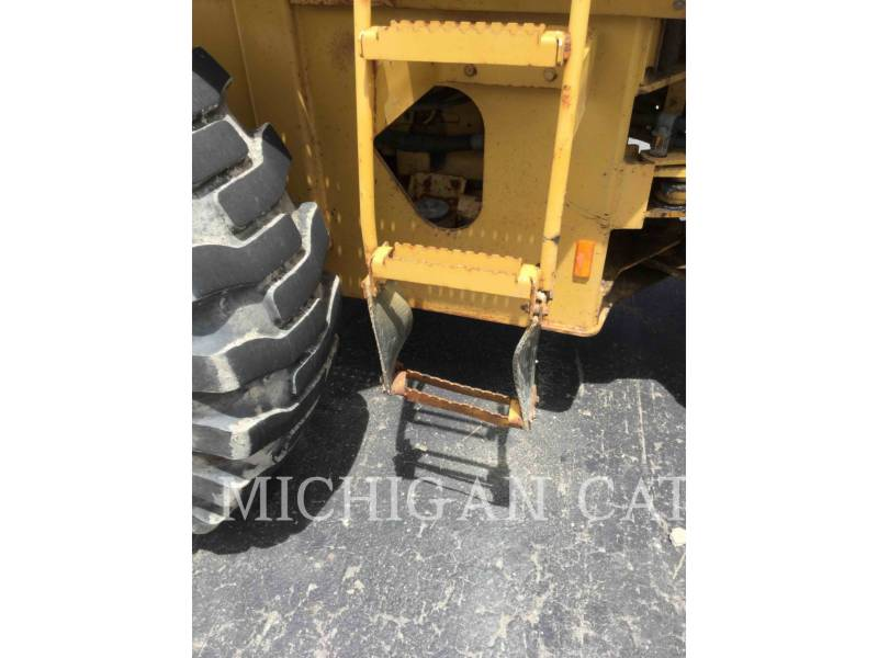 CATERPILLAR CARGADORES DE RUEDAS IT28G equipment  photo 10
