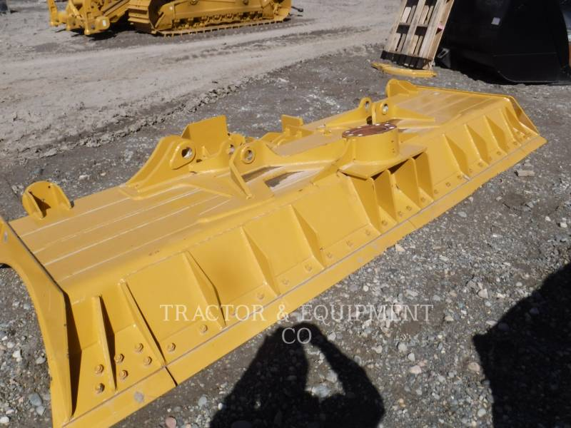 CATERPILLAR  BLADES D6TDOZER equipment  photo 1