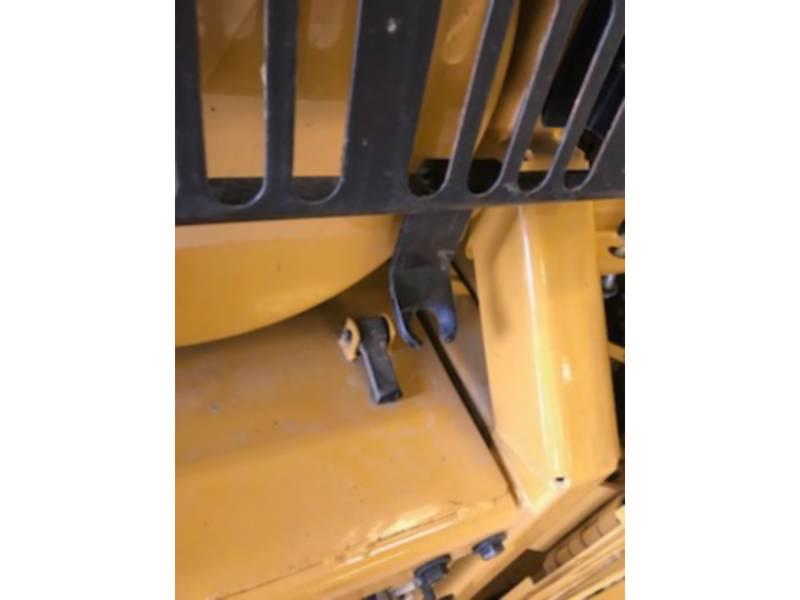CATERPILLAR TRACK EXCAVATORS 390DL equipment  photo 11