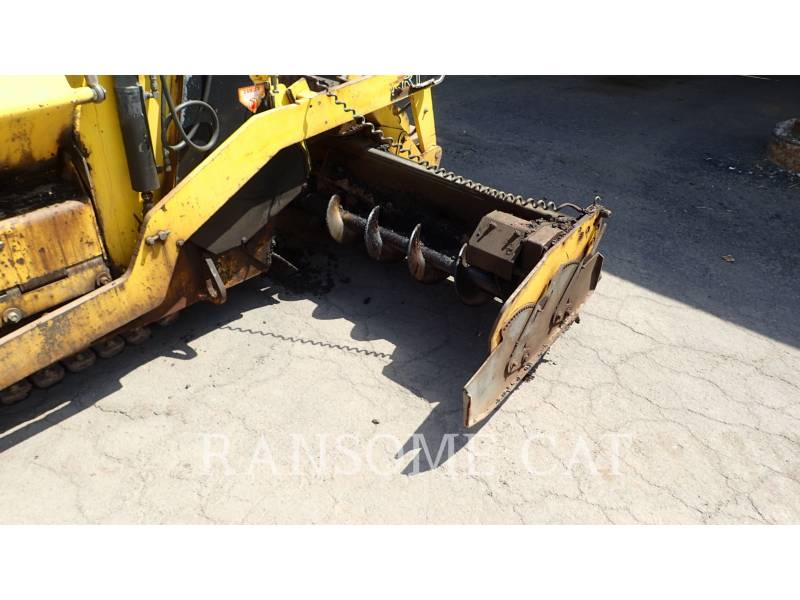 BOMAG ASPHALT PAVERS 813RT equipment  photo 22