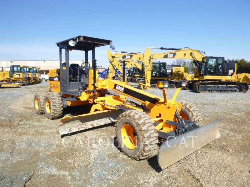 LEE-BOY VEHICULES UTILITAIRES 685C equipment  photo 3