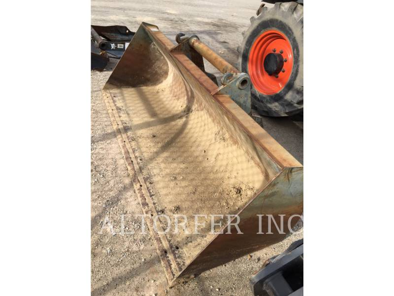 BOBCAT TELEHANDLER V723 equipment  photo 8