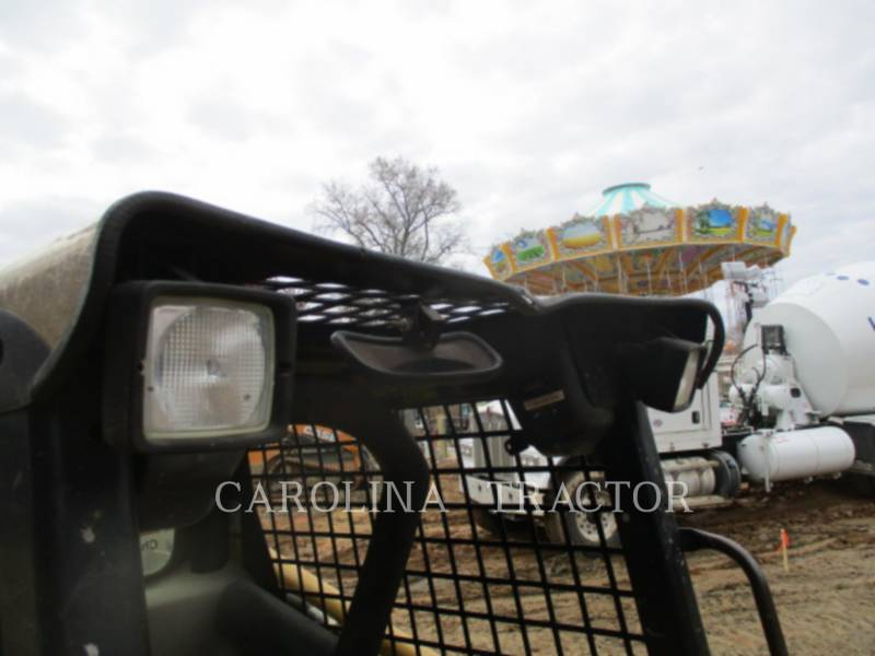CATERPILLAR SKID STEER LOADERS 262B equipment  photo 13