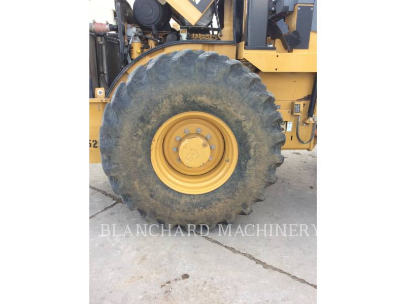CATERPILLAR COMPACTEUR VIBRANT, MONOCYLINDRE À PIEDS DAMEURS CP56 equipment  photo 5
