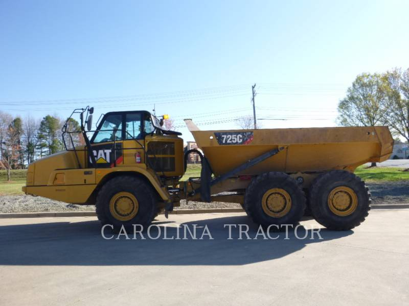 Caterpillar CAMIOANE ARTICULATE 725C equipment  photo 1