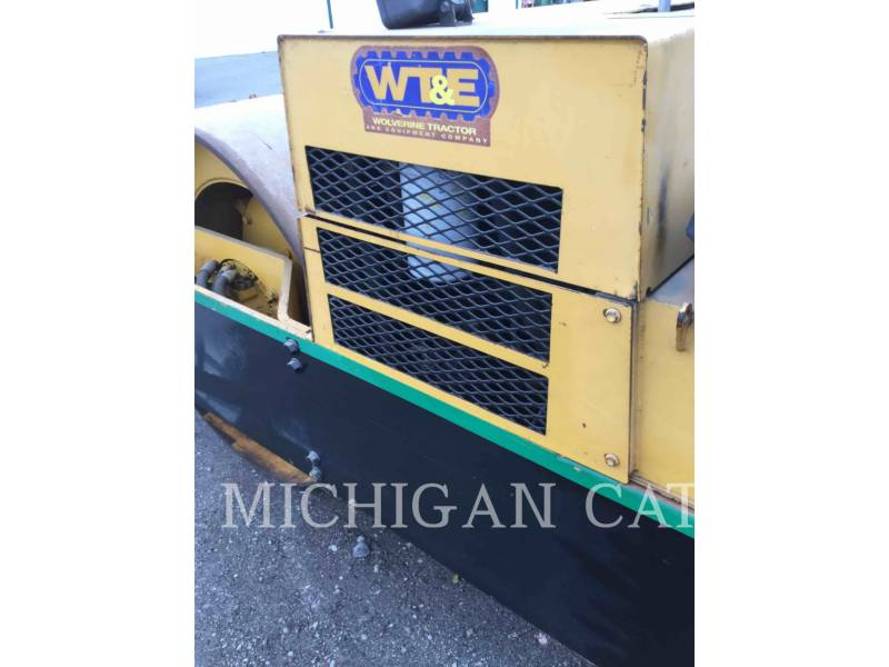 HYPAC VIBRATORY DOUBLE DRUM ASPHALT C330B equipment  photo 14