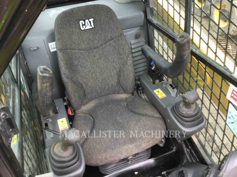 CATERPILLAR CHARGEURS TOUT TERRAIN 249D equipment  photo 18