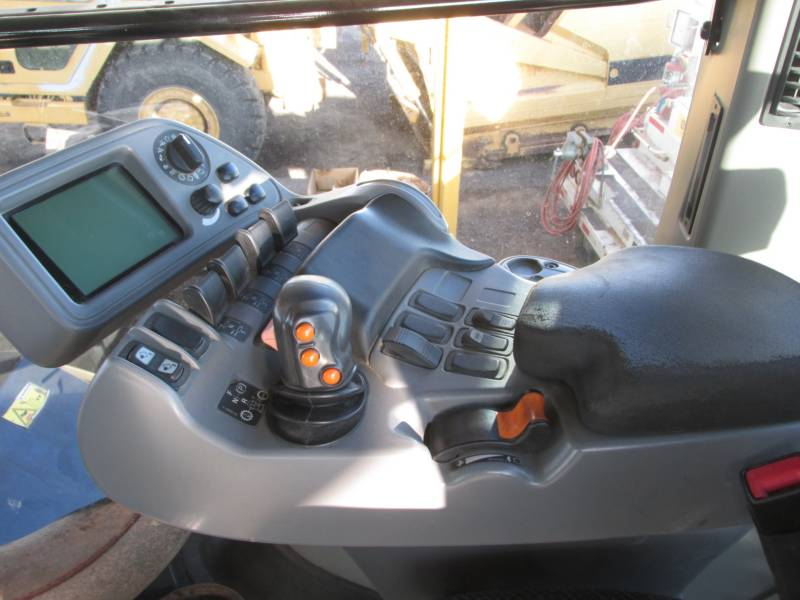 AGCO-CHALLENGER AG TRACTORS MT945B equipment  photo 10