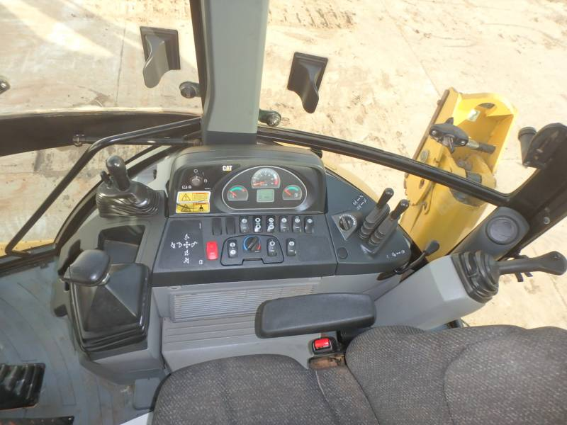 CATERPILLAR CHARGEUSES-PELLETEUSES 420FST equipment  photo 10