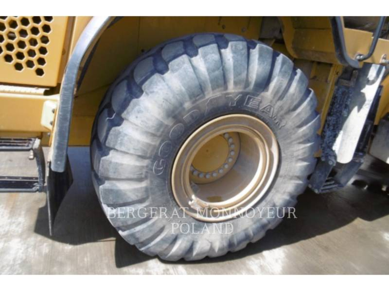 CATERPILLAR CHARGEURS SUR PNEUS MINES 966K equipment  photo 3