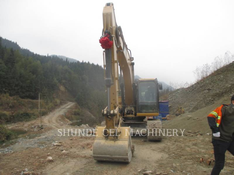 CATERPILLAR EXCAVADORAS DE CADENAS 318D2L equipment  photo 1
