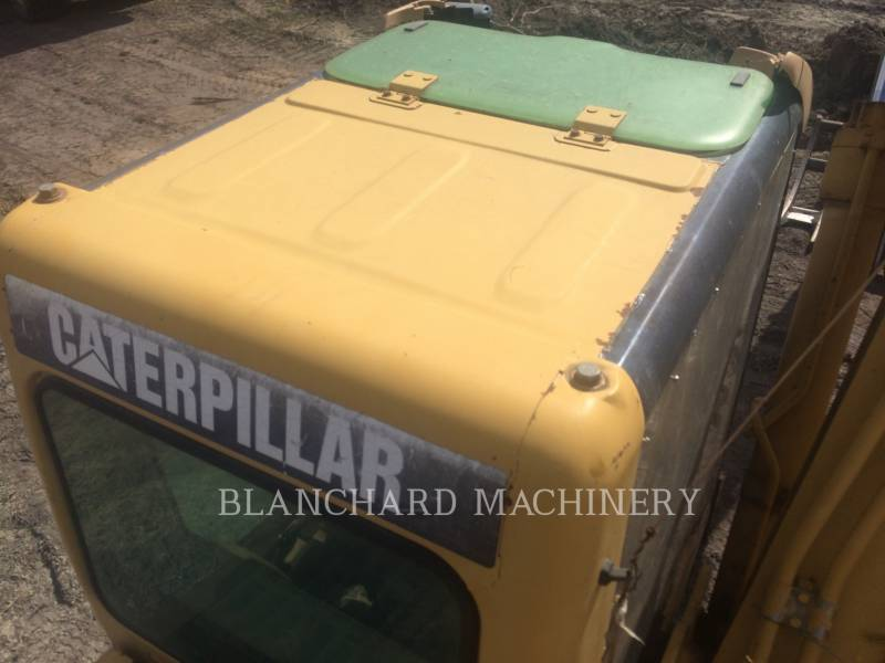 CATERPILLAR TRACK EXCAVATORS 322CL equipment  photo 6