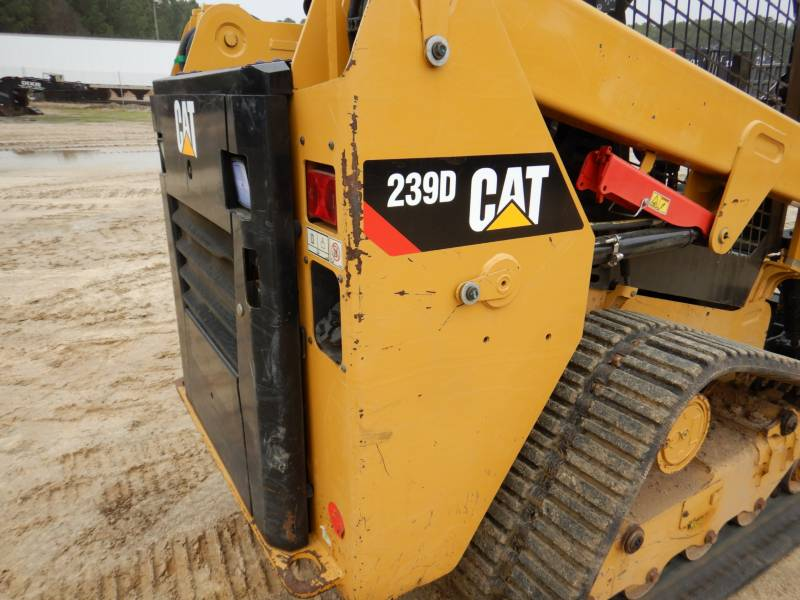 CATERPILLAR DELTALADER 239D equipment  photo 21