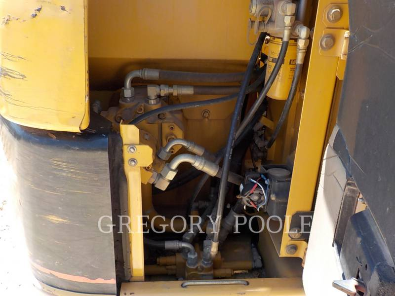 CATERPILLAR TRACK EXCAVATORS 307C equipment  photo 15