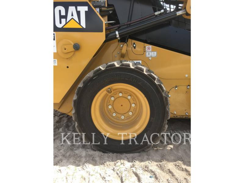 CATERPILLAR CHARGEURS COMPACTS RIGIDES 236 D equipment  photo 10