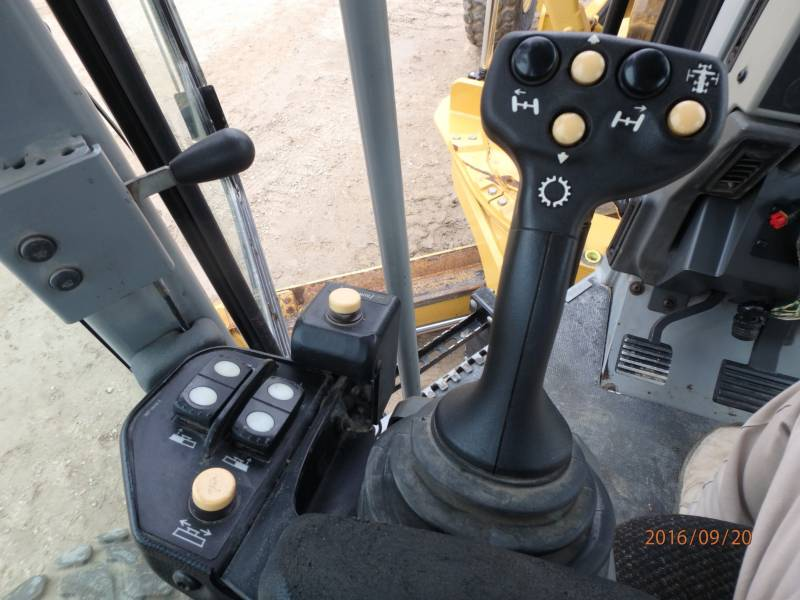 Caterpillar AUTOGREDERE 12M equipment  photo 12
