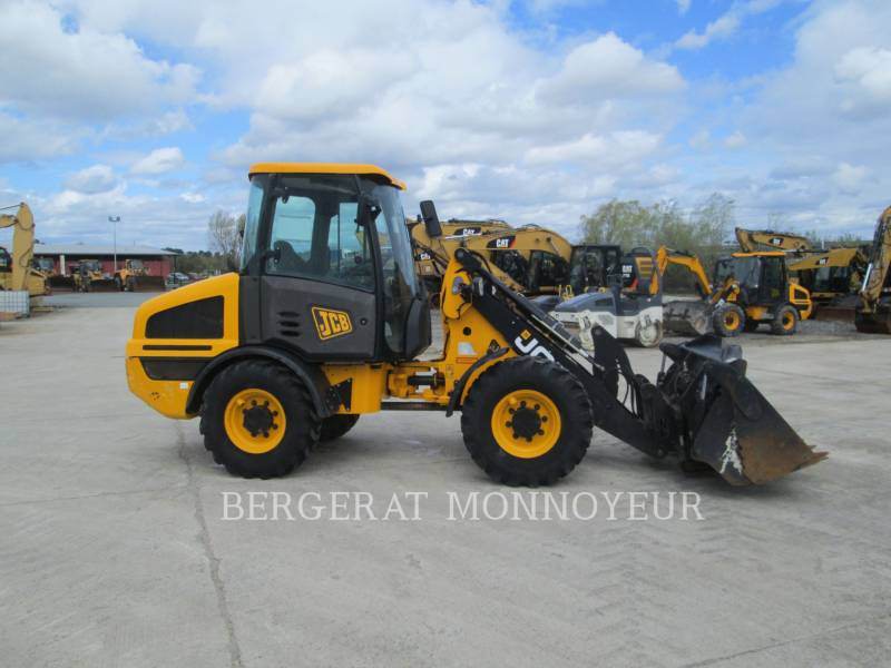 JCB WHEEL LOADERS/INTEGRATED TOOLCARRIERS 407BT4 equipment  photo 2