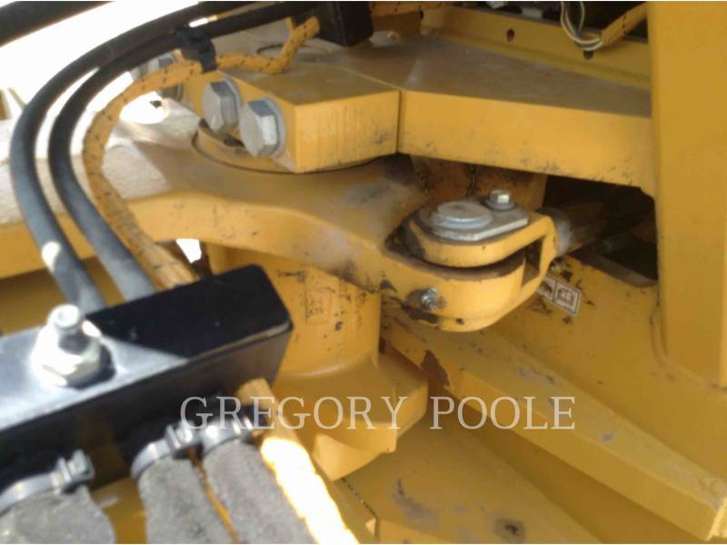 CATERPILLAR VIBRATORY SINGLE DRUM SMOOTH CS-56B equipment  photo 11