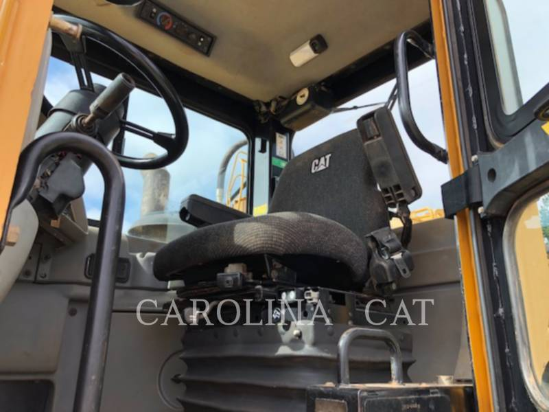 CATERPILLAR WHEEL TRACTOR SCRAPERS 621G equipment  photo 11
