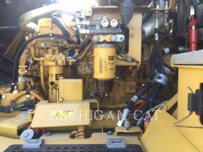 CATERPILLAR CAMIONES ARTICULADOS 730 T equipment  photo 21