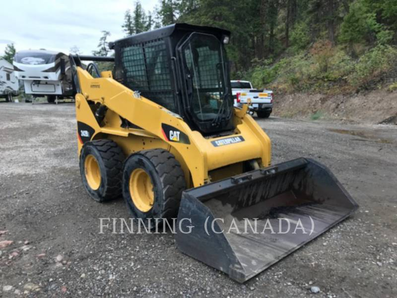 CATERPILLAR PALE COMPATTE SKID STEER 242B3 equipment  photo 2