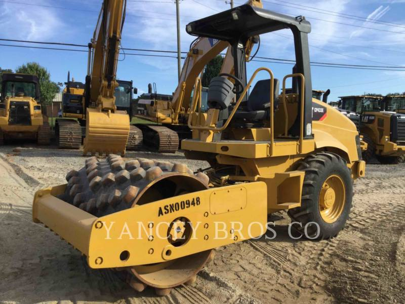 CATERPILLAR TRILLENDE ENKELE TROMMEL OPVULLING CP-433E equipment  photo 5