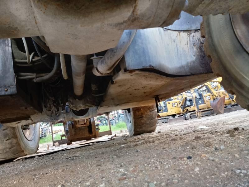 CATERPILLAR テレハンドラ TH406C equipment  photo 7