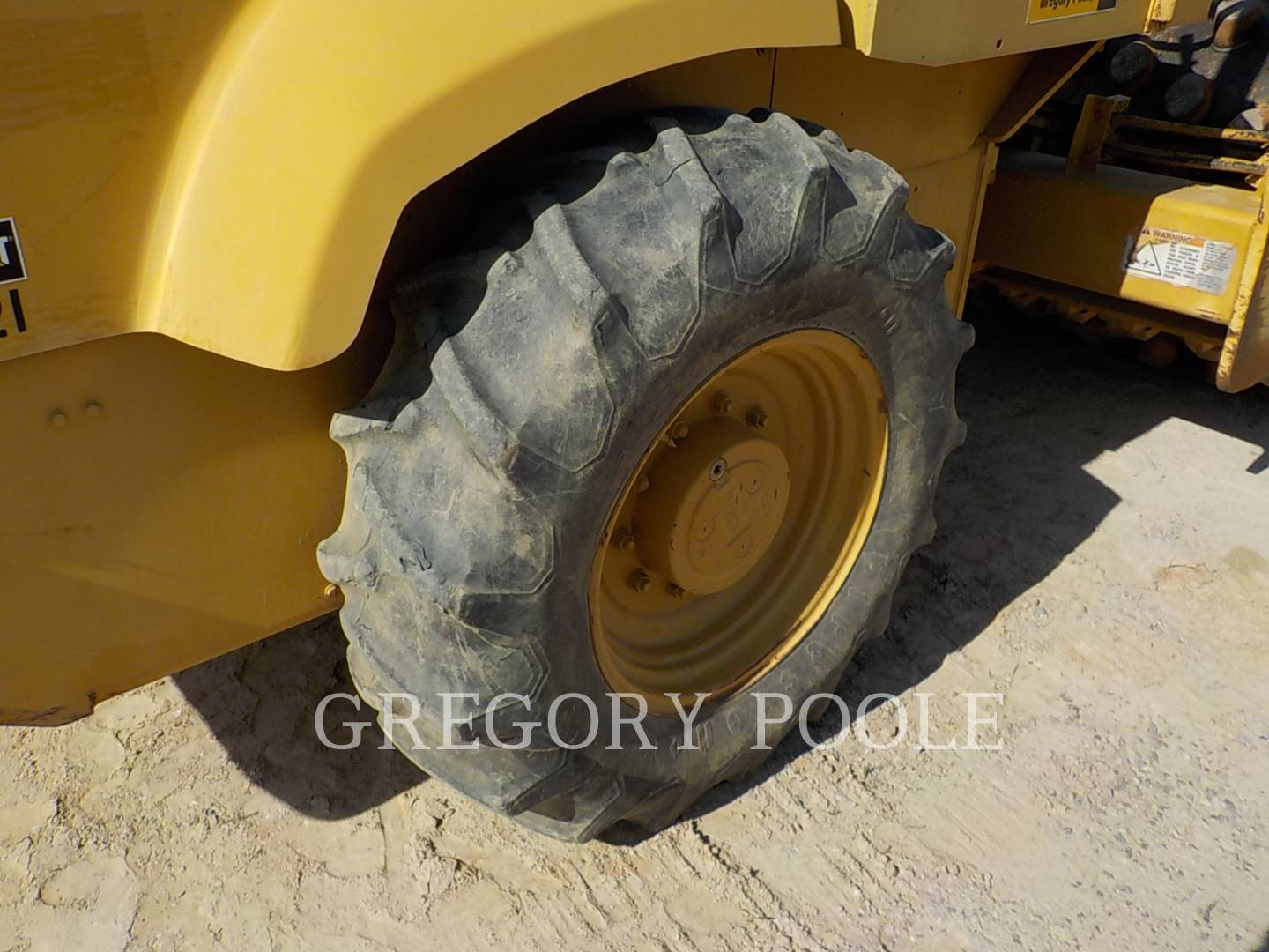 Detail photo of 2005 Caterpillar CP-433E from Construction Equipment Guide