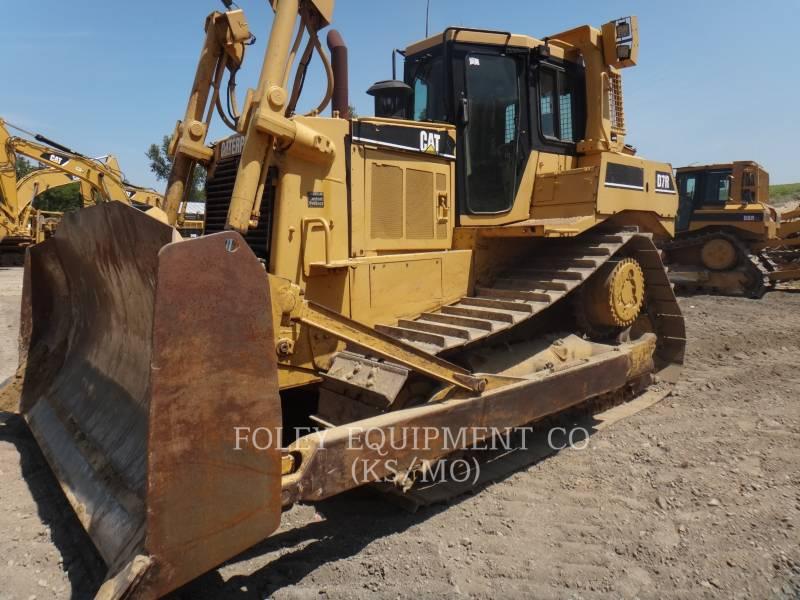 CATERPILLAR TRACK TYPE TRACTORS D7R equipment  photo 1