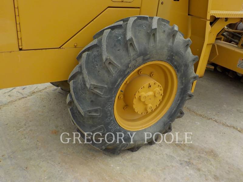 CATERPILLAR VIBRATORY SINGLE DRUM PAD CP-433C equipment  photo 20