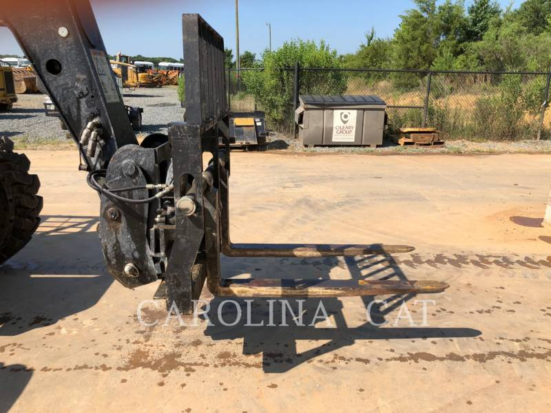 CATERPILLAR MOVIMENTATORI TELESCOPICI TL642C equipment  photo 9