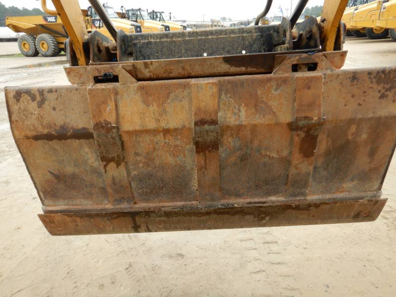 CATERPILLAR SKID STEER LOADERS 246D equipment  photo 24