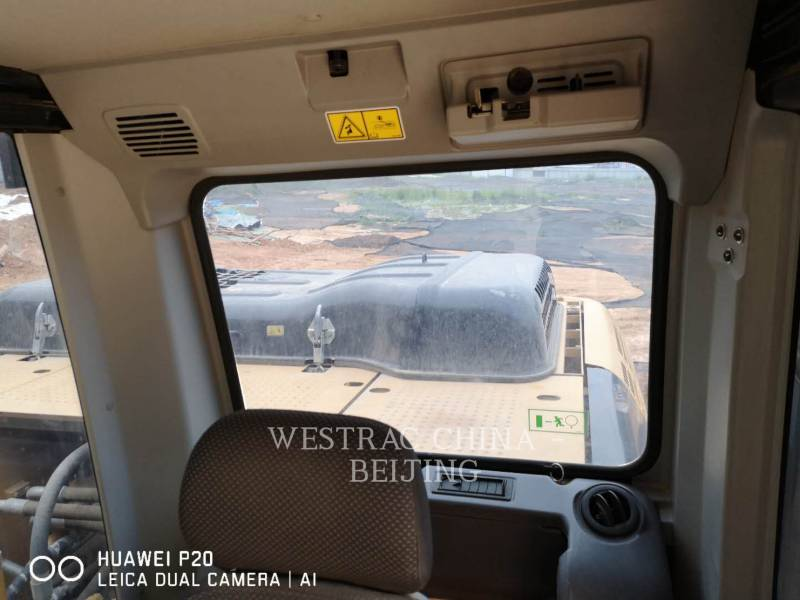 CATERPILLAR KETTEN-HYDRAULIKBAGGER 323D2L equipment  photo 15