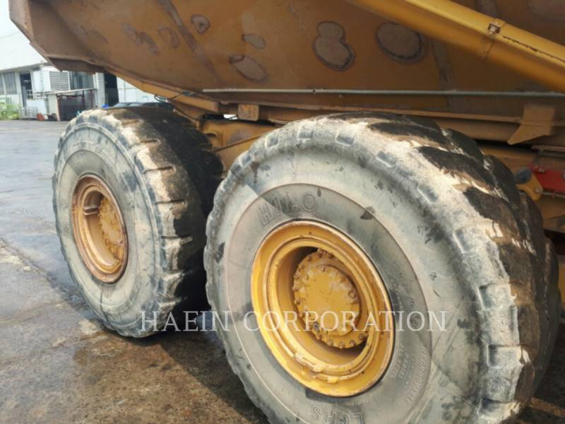 CATERPILLAR ARTICULATED TRUCKS 735 equipment  photo 8