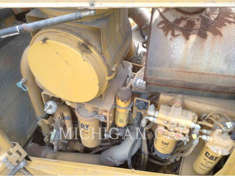 CATERPILLAR KETTENDOZER D8T CR equipment  photo 8