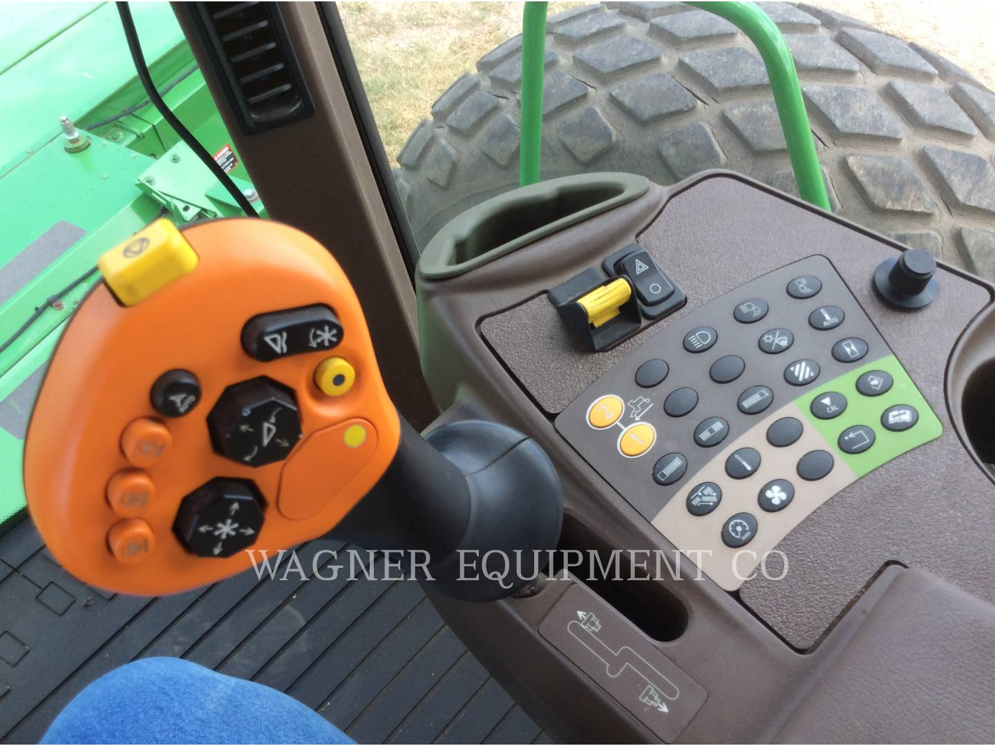 Detail photo of 2012 John Deere R450 from Construction Equipment Guide