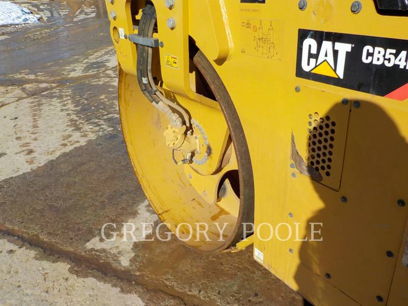 CATERPILLAR TAMBOR DOBLE VIBRATORIO ASFALTO CB54B equipment  photo 17