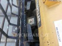 CATERPILLAR SKID STEER LOADERS 262C2 A2RQ equipment  photo 7