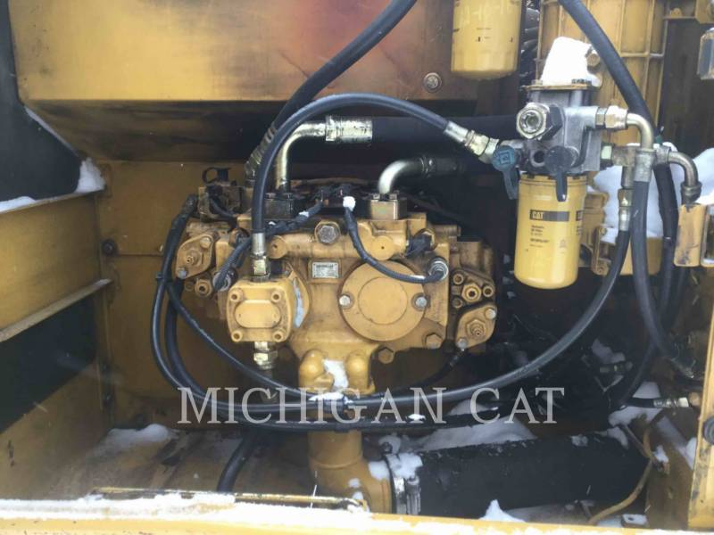 CATERPILLAR PELLES SUR CHAINES 320CL equipment  photo 17