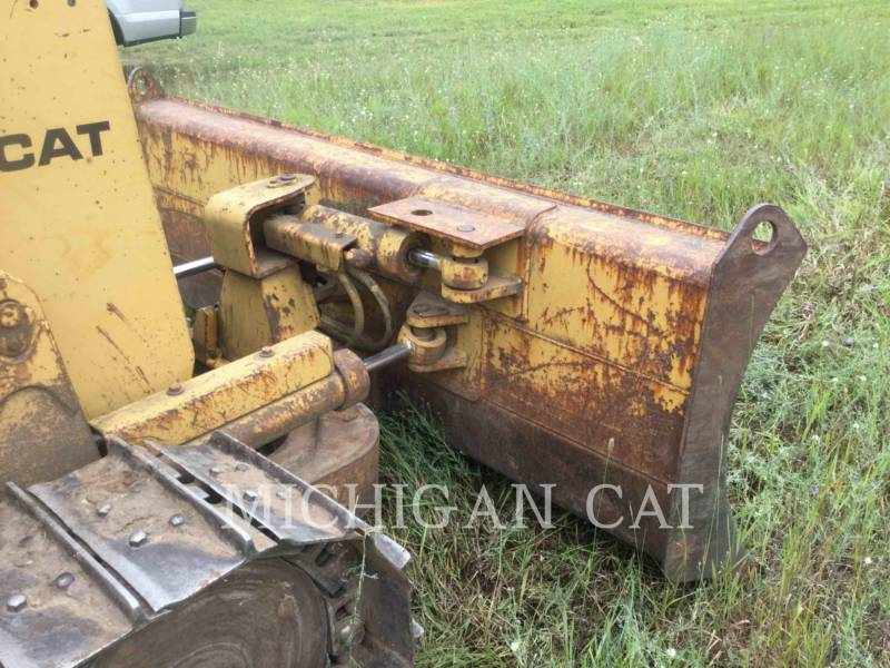 CATERPILLAR TRACK TYPE TRACTORS D3C equipment  photo 13