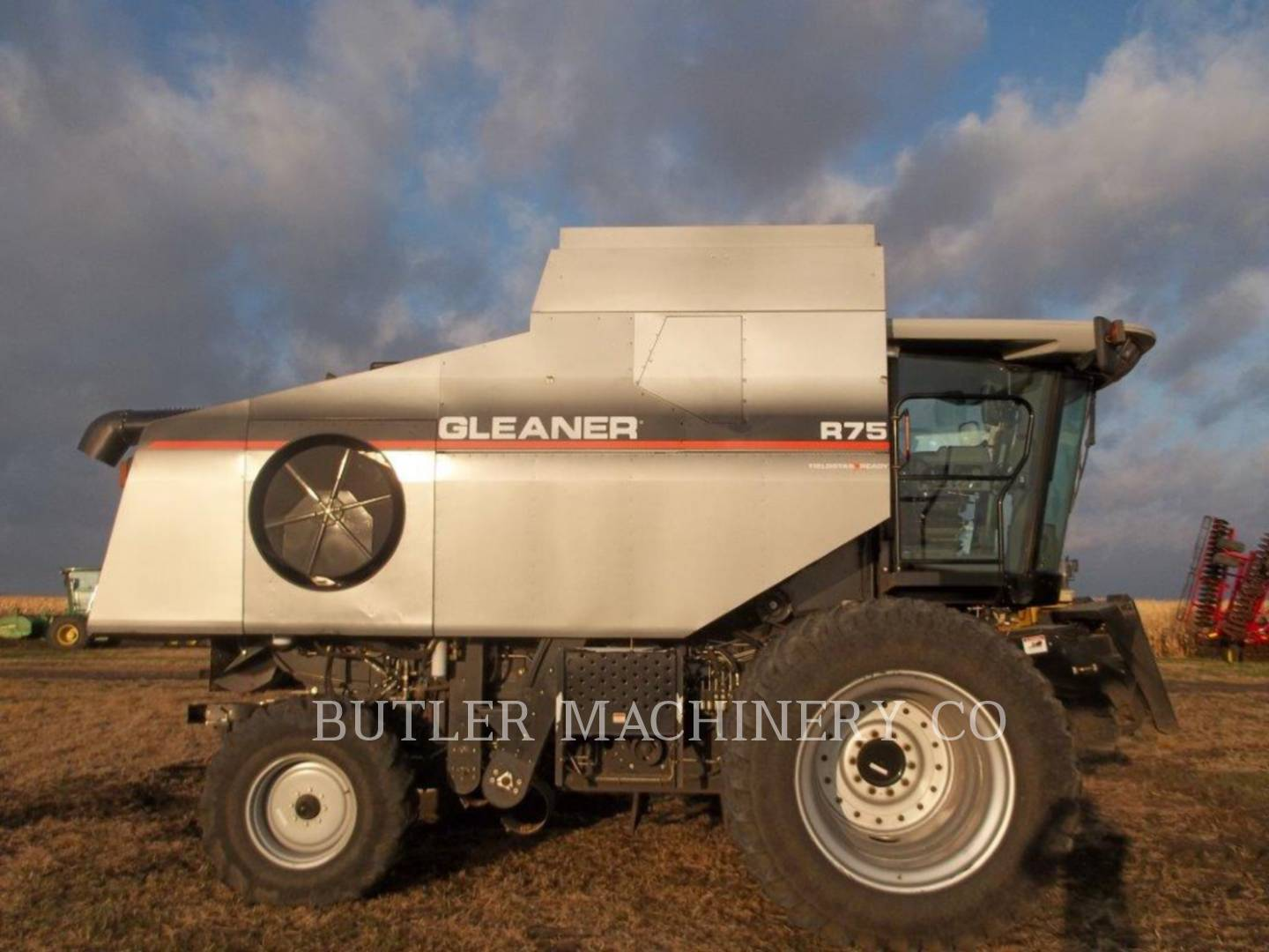 Detail photo of 2005 Gleaner R75 from Construction Equipment Guide