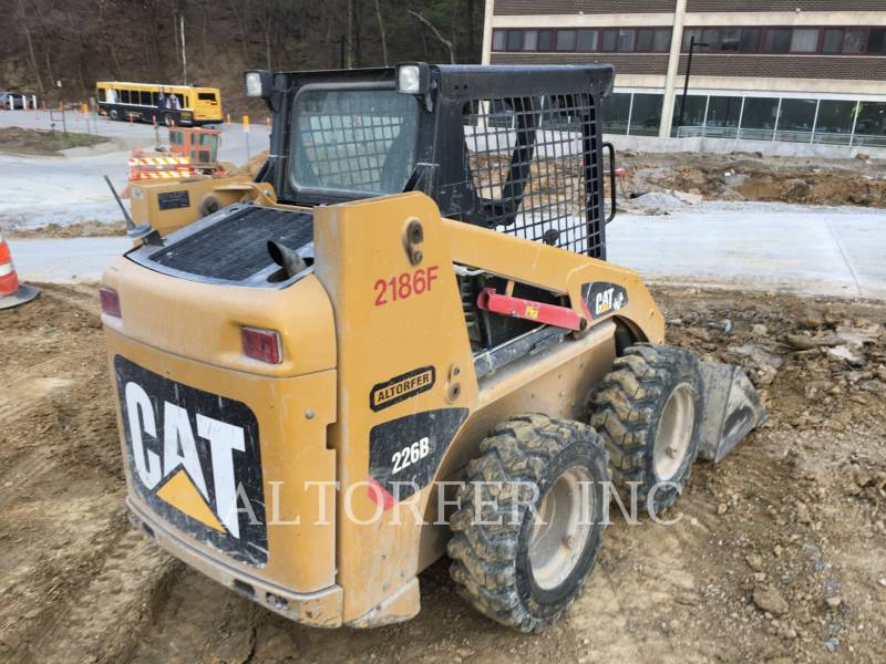 CATERPILLAR SKID STEER LOADERS 226B3 equipment  photo 4