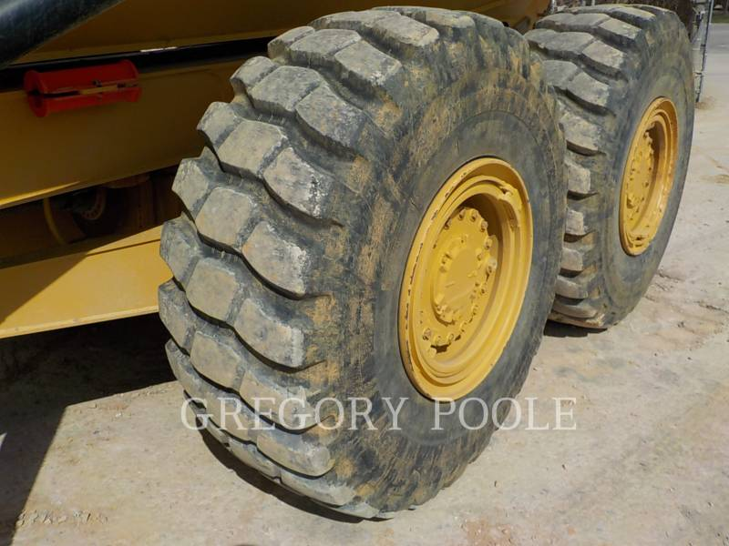 CATERPILLAR DUMPER ARTICOLATI 725C equipment  photo 19